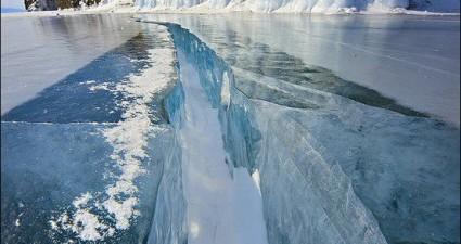 frozen_russian_lake