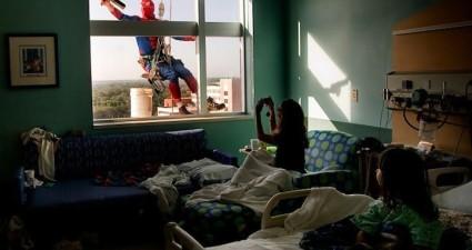 window_washing_superhero_3