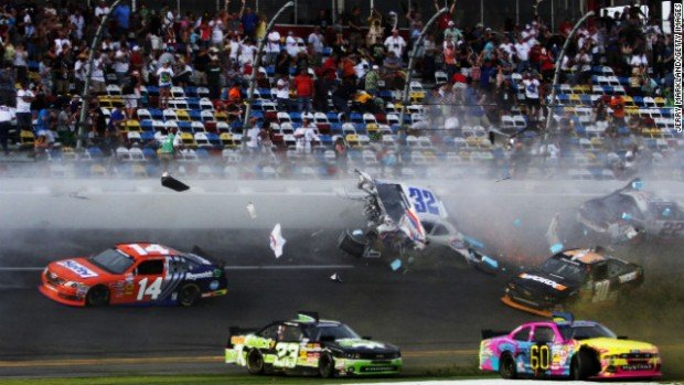 daytona_crash_4