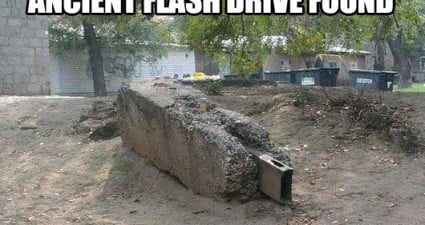 worlds_oldest_flash_drive