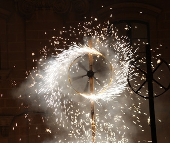 Groundfireworks_burning_m