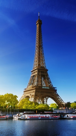 Eiffel-Tower-Paris-Autumn-250x443