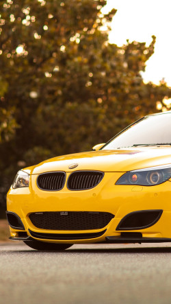 Yellow-BMW-M5-250x443