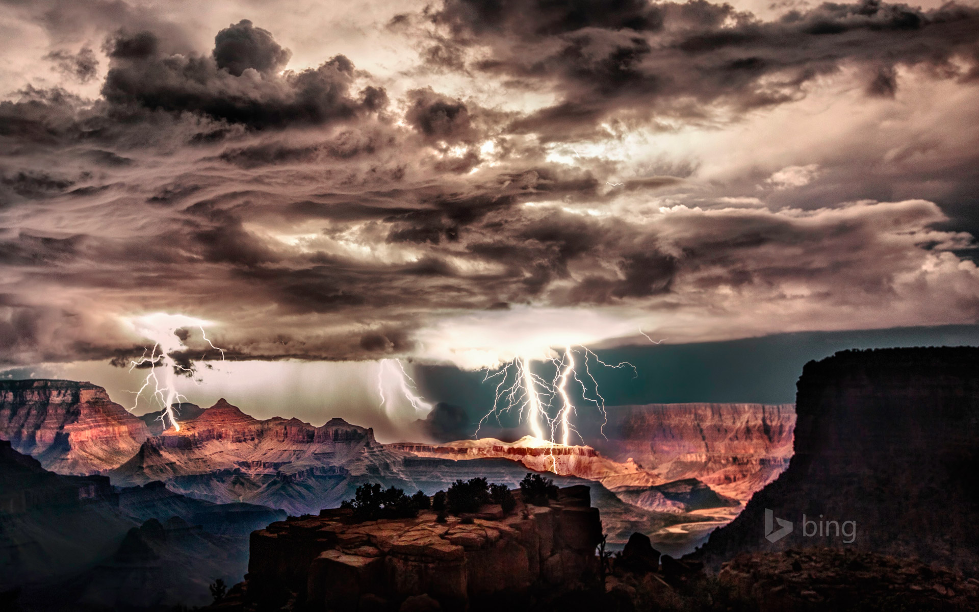 Beautiful lightning storm over the Grand Canyon [Amazing ...